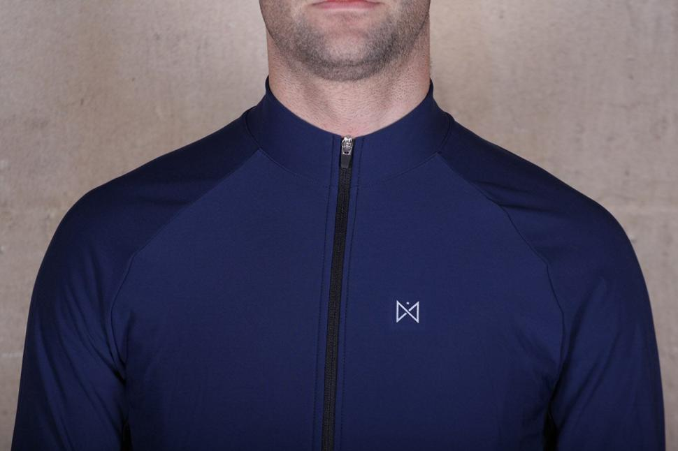Merlin Sport Long Sleeved Cycling Jersey - collar.jpg
