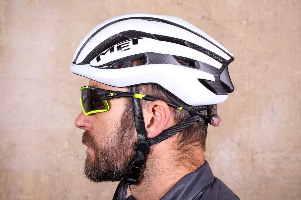 MET Trenta 3K Carbon Helmet - side.jpg