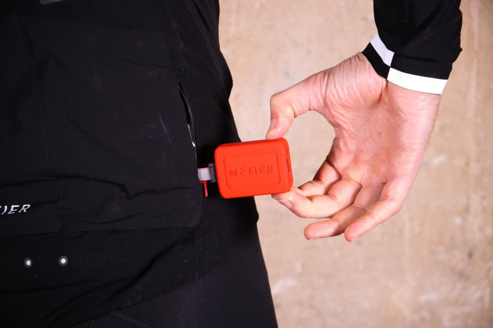 Metier Beacon jacket - battery pocket.jpg