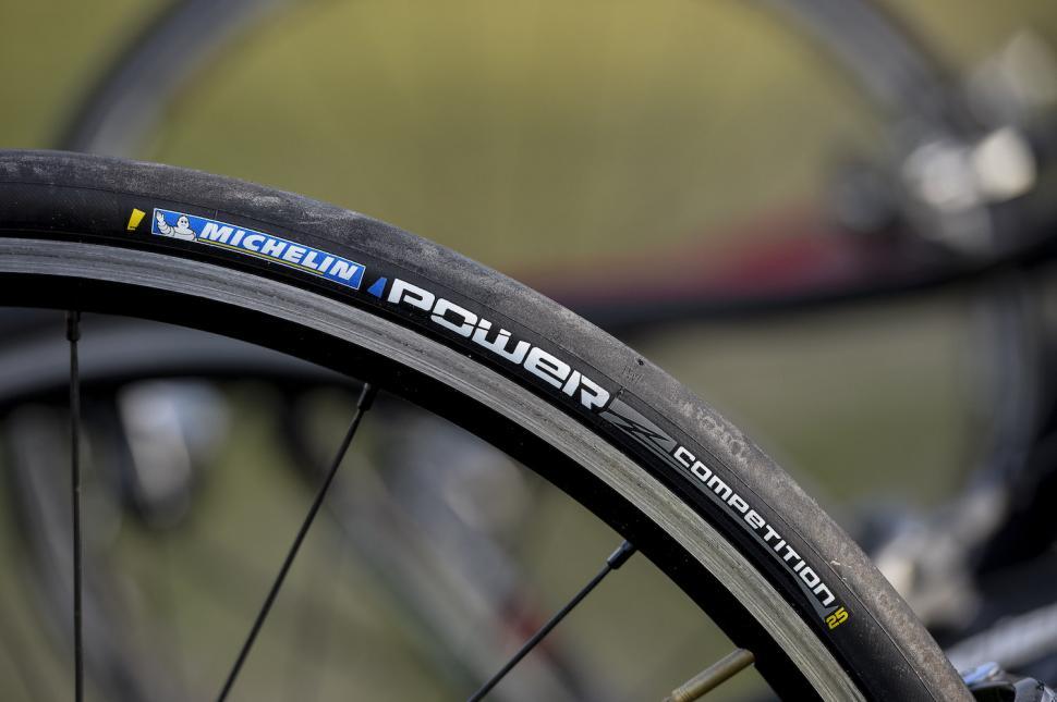 michelin power tyres9.jpg