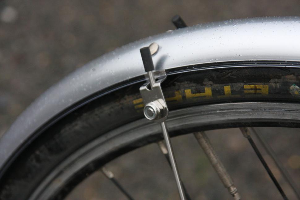 MPart 700 x 35mm Commute mudguards - detail.jpg