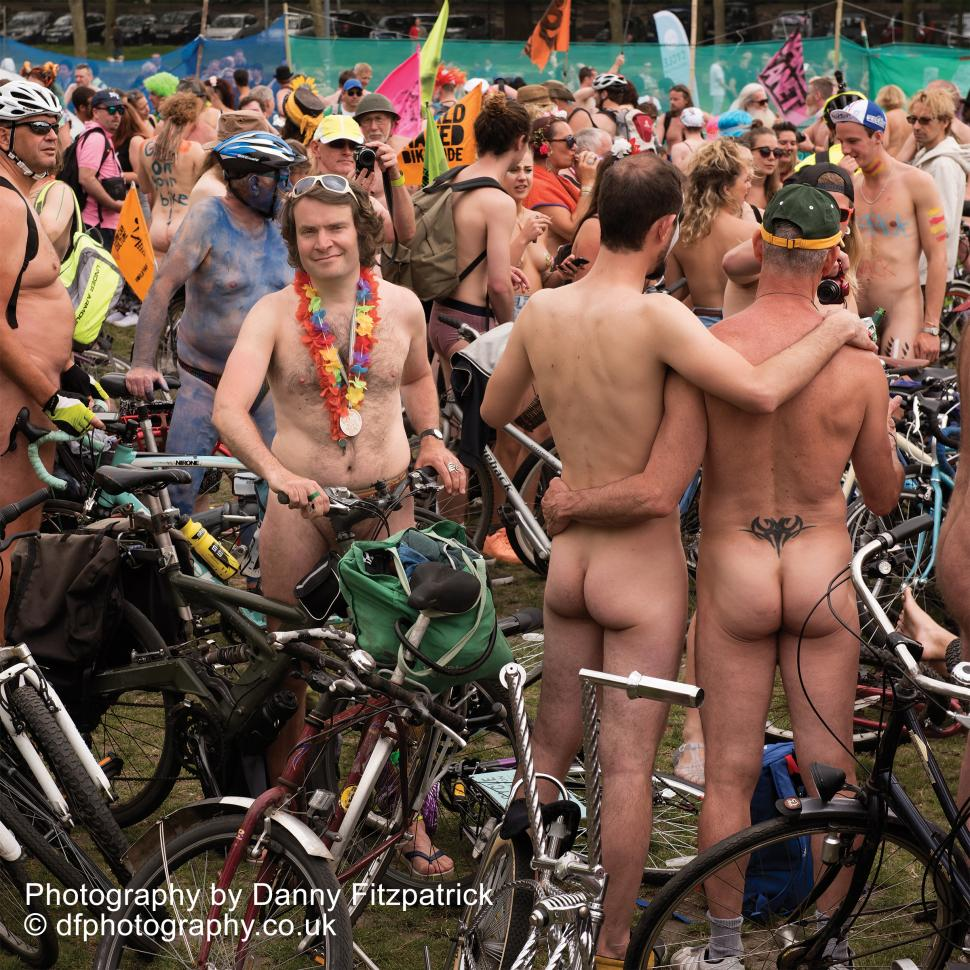 photos of nude male bikers