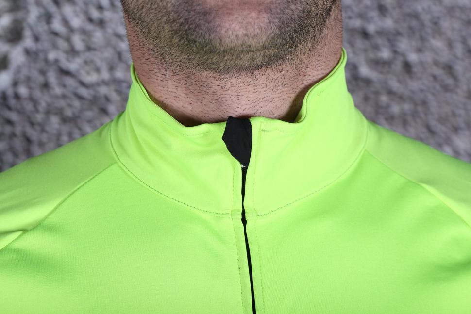 Northwave Extreme H20 Long Sleeves Light Jacket - Total Protection - collar.jpg