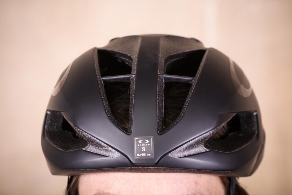 oakley_aro5_helmet_-_front.jpg