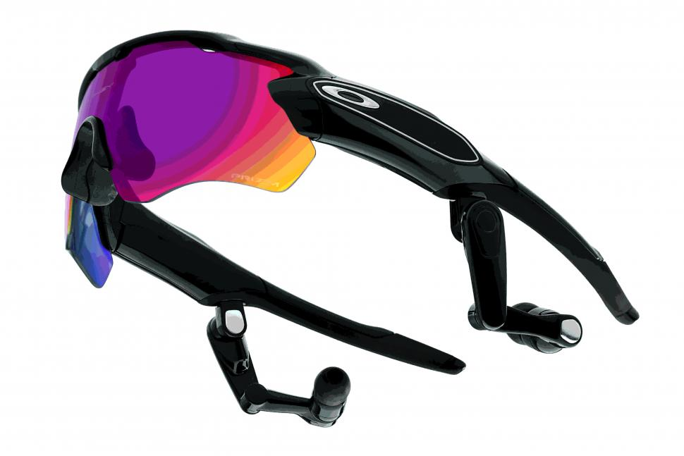 Oakley_Radar-Pace_Product.jpg