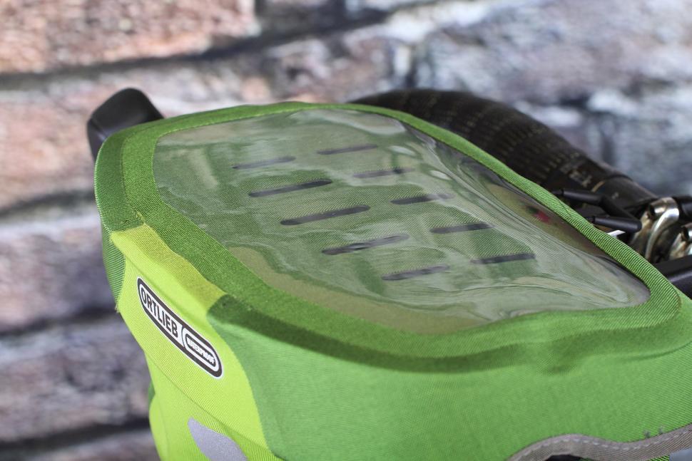 Orlieb Ultimate6 S Plus Waterproof Handlebar bag - map sleeve.jpg