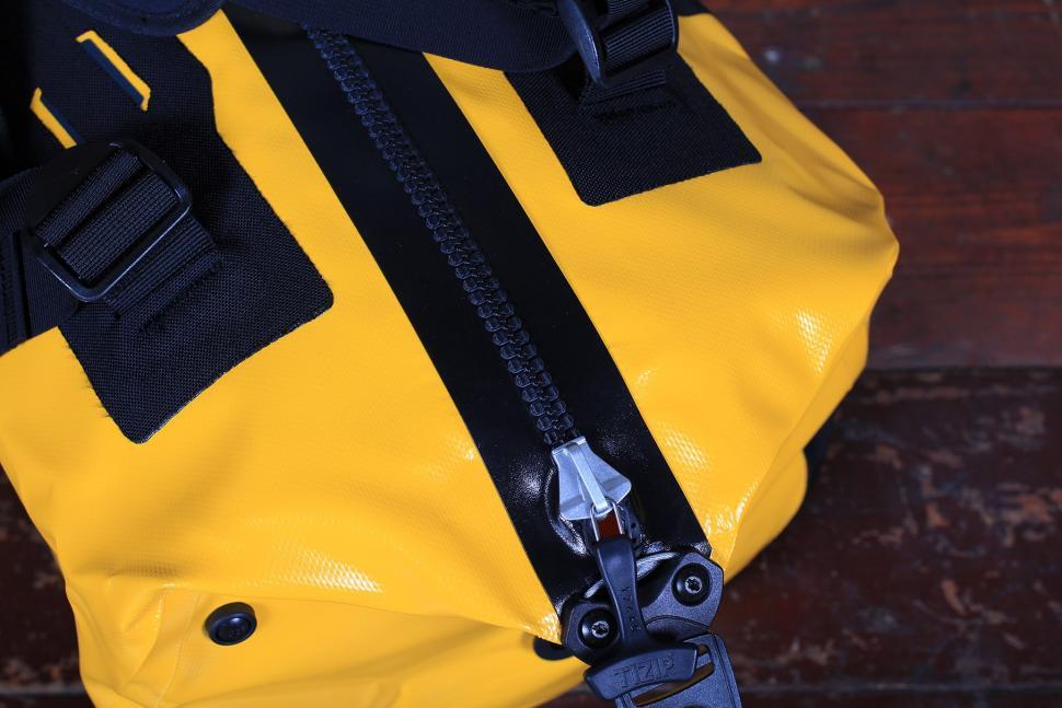 Ortlieb Duffle Bag 60L - zip.jpg