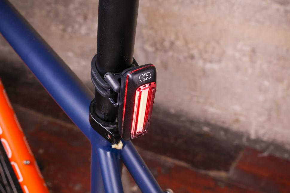 Oxford Ultratorch Pro R25 LED Tail light - above.jpg