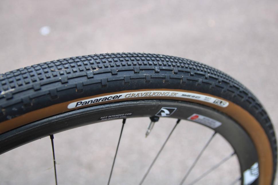 Review Panaracer Gravelking Sk Tyre Road Cc