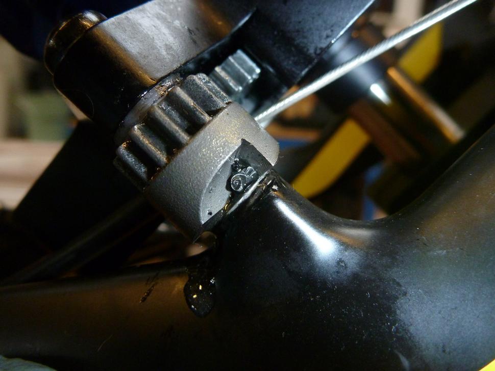 Park Tool DT5.2 Disc Brake Mount Facing Set - cutting.jpg
