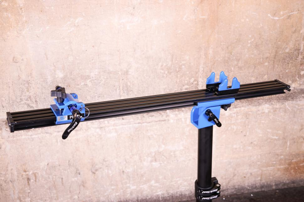 Park Tool PRS-22 Team Issue Repair stand - mounting plate.jpg