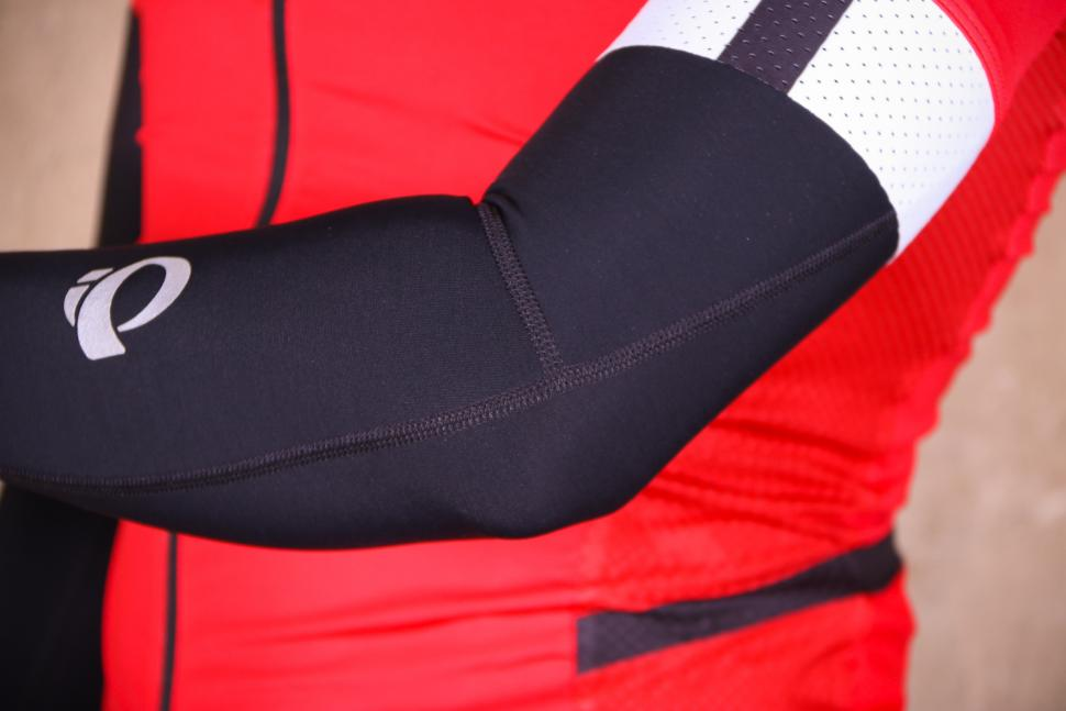 Pearl Izumi Elite Thermal Arm Warmers - seams.jpg