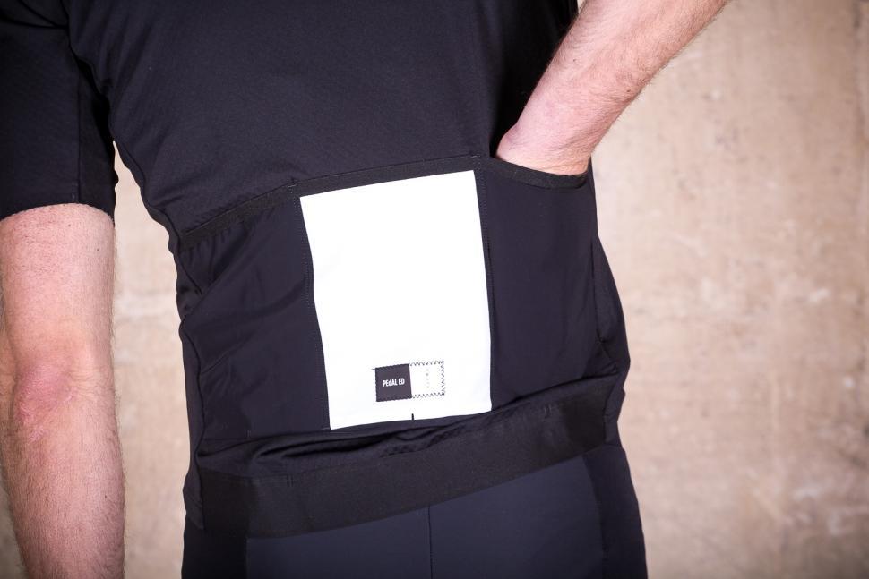 PedalED Shawa Jersey - pocket.jpg