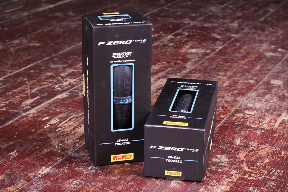 Pirelli P Zero Velo 4S - boxed.jpg