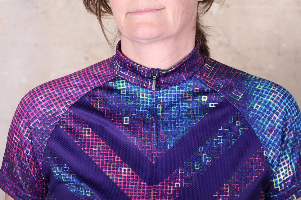 Primal Pixel18 Womens Cycling Jersey - collar.jpg