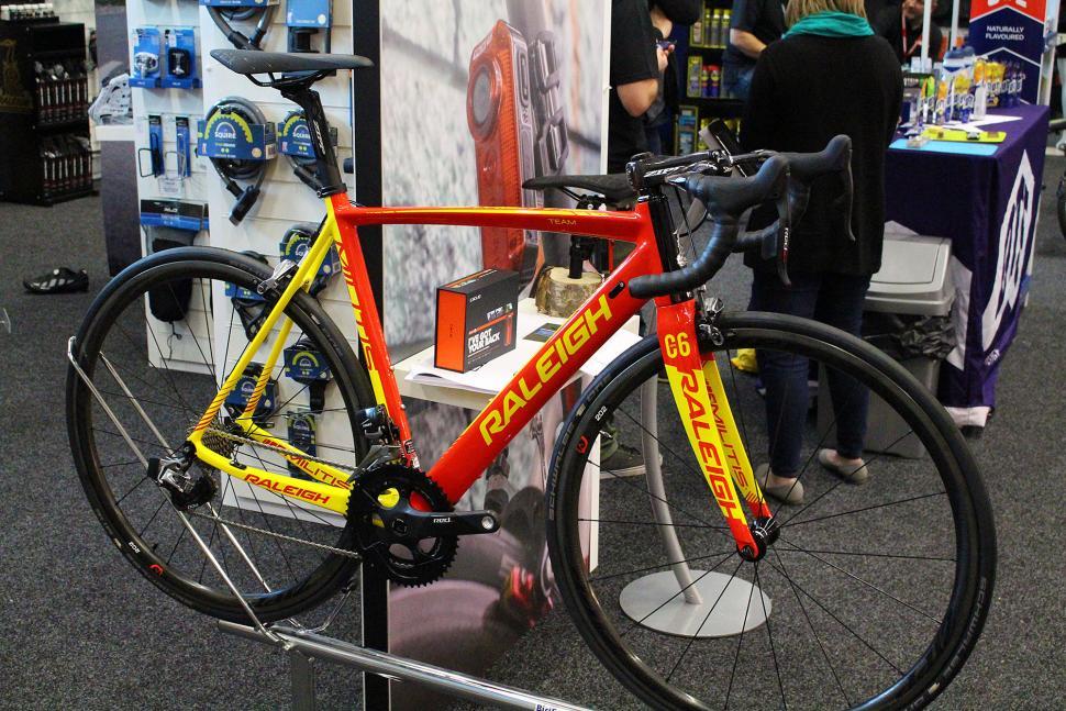 Raleigh Militis Team eTap - full bike.jpg