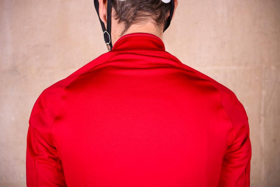Rapha Core Winter Jacket - shoulders.jpg
