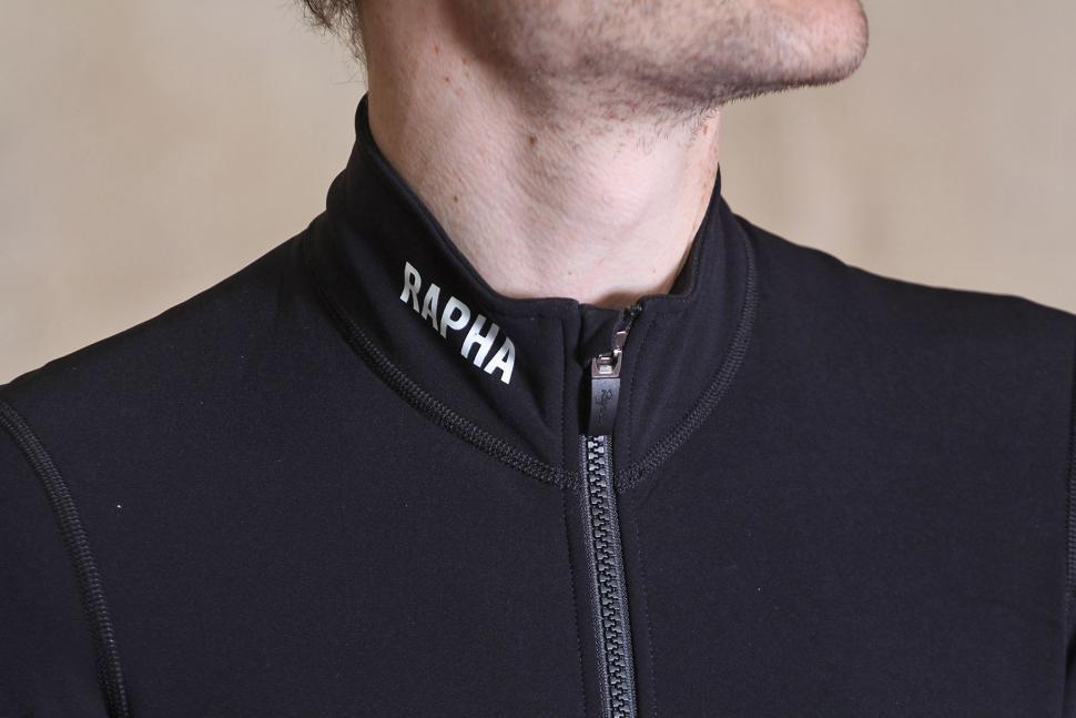 Rapha Pro Team Thermal Aerosuit - collar.jpg