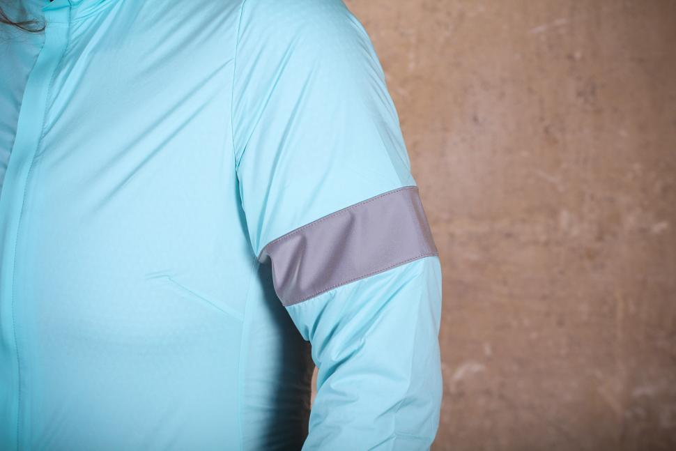 Rapha Souplesse Insulated Jacket - arm band.jpg