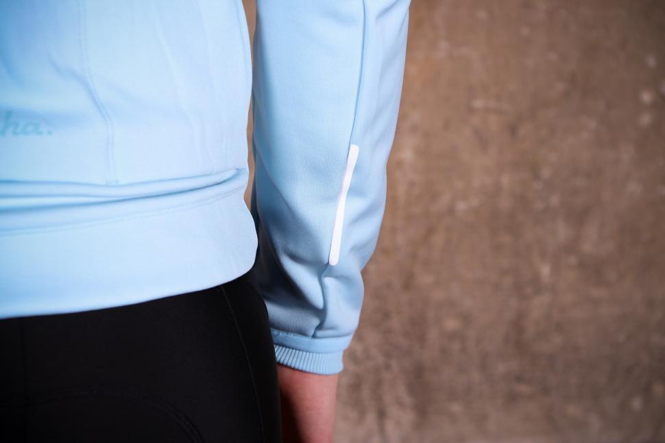 Rapha Women's Core Winter Jacket - sleeve detail.jpg