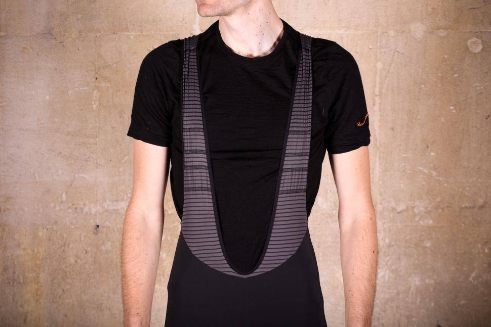 rapha_cargo_bib_shorts_-_straps_front.jpg