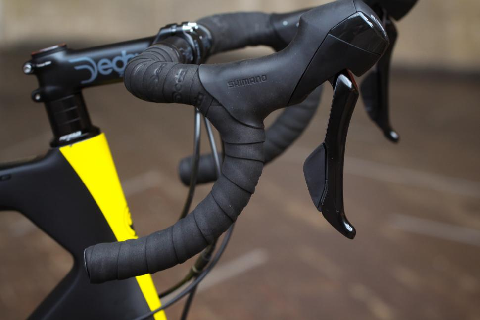 Ribble Sportive Racing Disc - bar and shifter.jpg