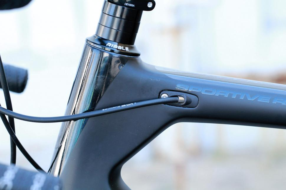 Ribble Sportive Racing Special Edition - cable route 2.jpg