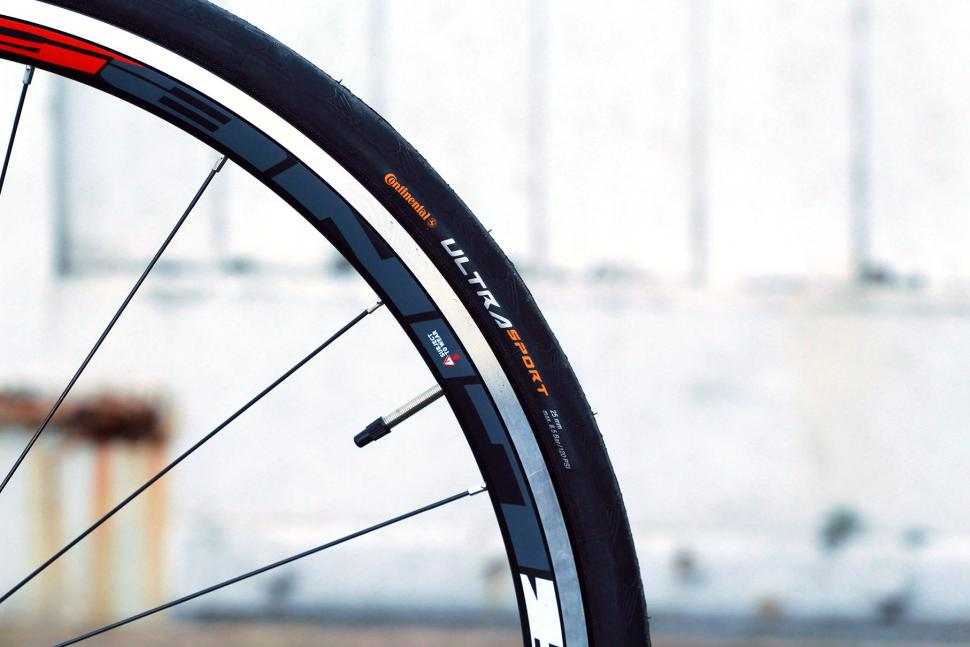 Ribble Sportive Racing Special Edition - tyre.jpg