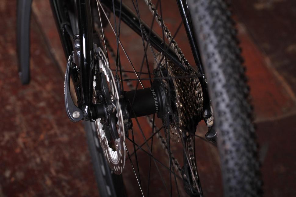 Ritchey Swiss Cross - rear hub.jpg