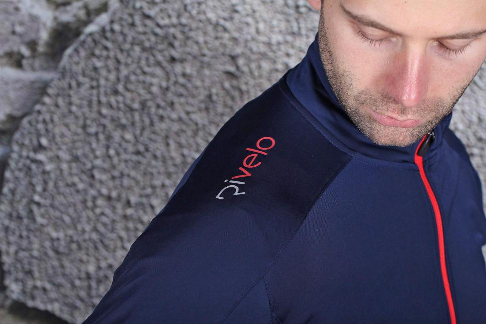 Rivelo Mens Felcott Jersey - shoulder logo.jpg