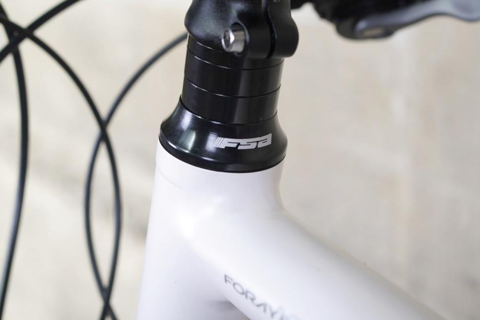 Roux Foray - headset and spacers.jpg