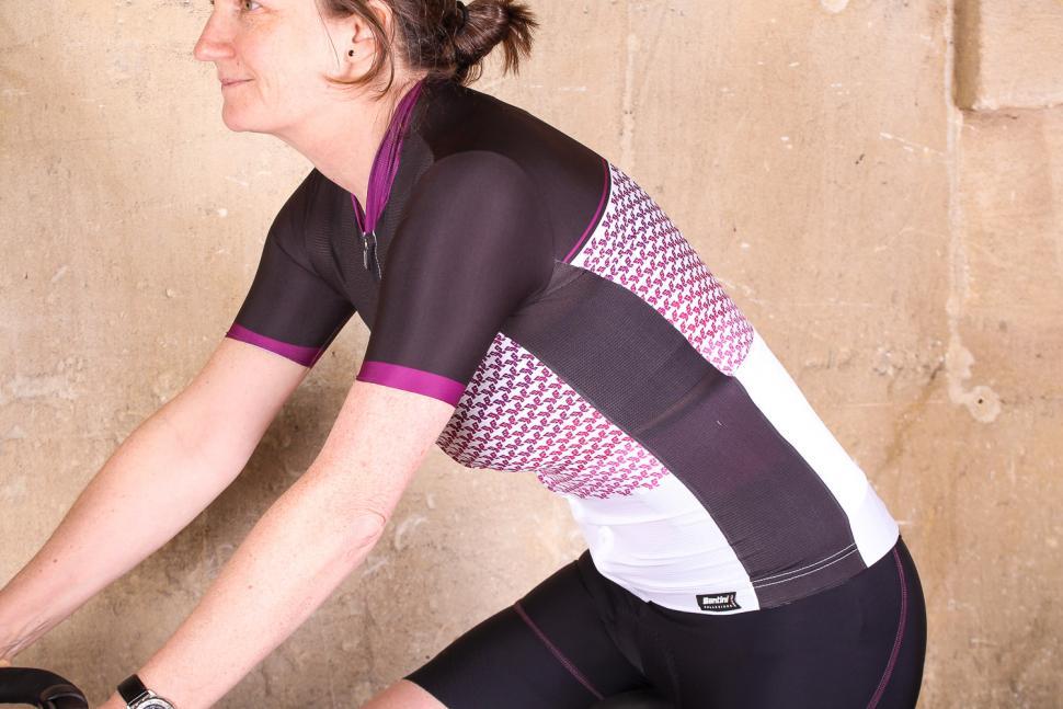 santini_womens_volo_short_sleeve_jersey_-_riding.jpg