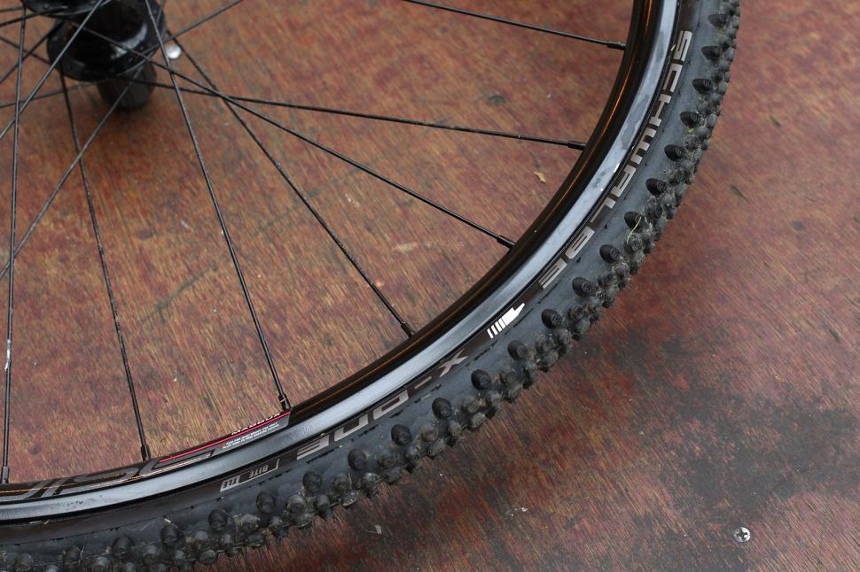Schwalbe X-One Bite TLE cyclocross tyre 2.jpg