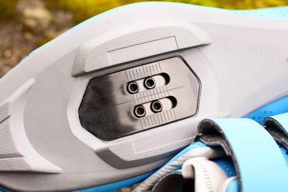 Shimano RT5 shoes - sole detail.jpg