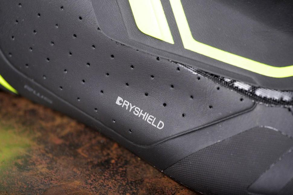 Shimano RW5 Dryshield SPD-SL shoes - detail.jpg