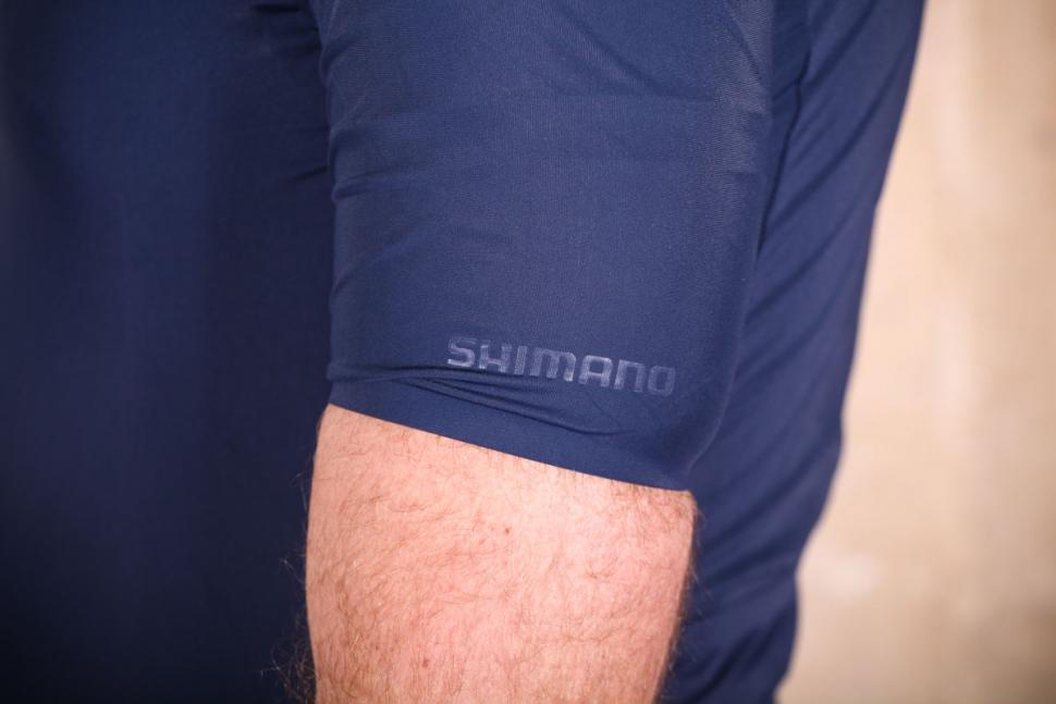 shimano_evolve_jersey_-_sleeve_cuff.jpg