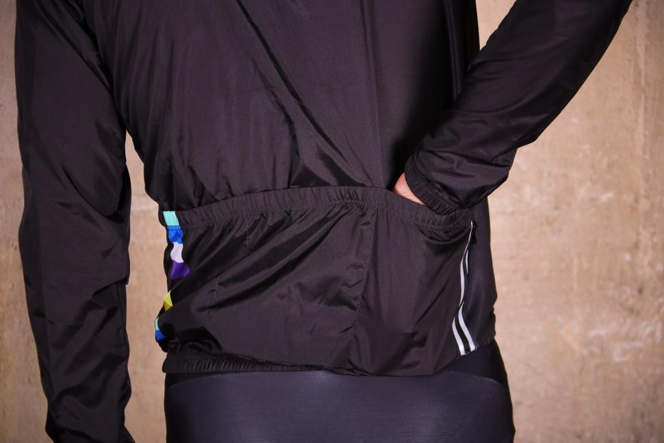Shutt Velo Rapide Showerproof Jacket - pockets 2.jpg