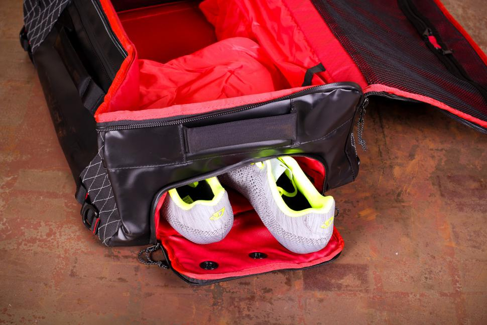 Silca Maratona Gear Bag - show storage.jpg