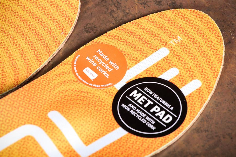 SOLE Active Thin with Met Pad Footbeds - detail.jpg