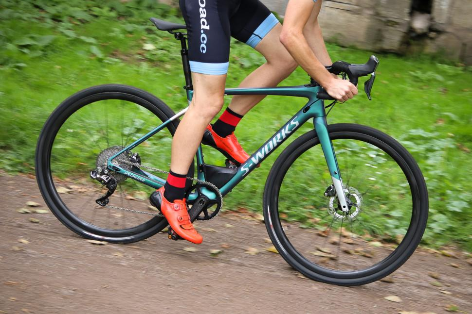 Specialized S-Works Diverge - riding 1.jpg