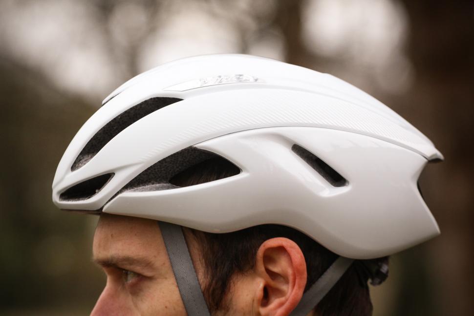 specialized_evade_ii_helmet_-_side_2.jpg