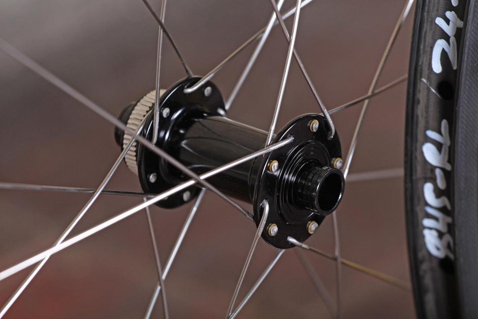 Spin Industries The Rouleur DM845 Super Fat Boys wheelset - front hub.jpg