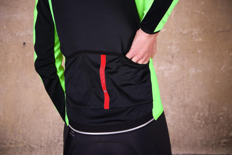 Sportful Fiandre Light Wind Jacket - pockets.jpg