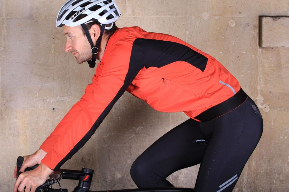 Sportful R and D Zero Jacket - riding.jpg