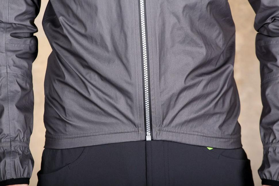 Sportful Stelvio jacket - hem.jpg