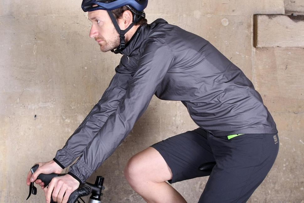 Sportful Stelvio jacket - riding.jpg