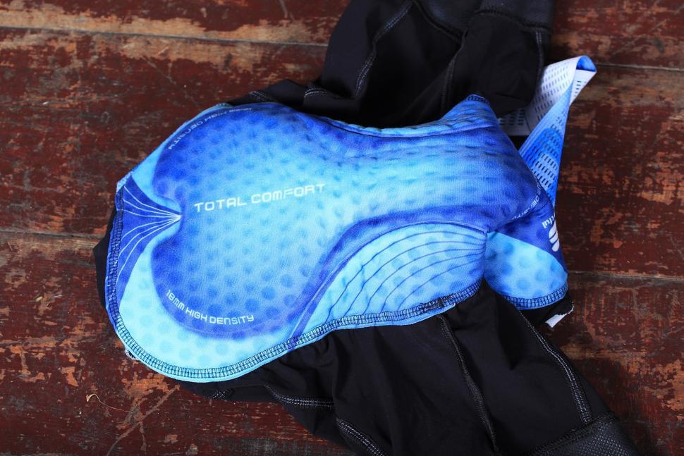 Sportful Super Total Comfort bib shorts - pad.jpg