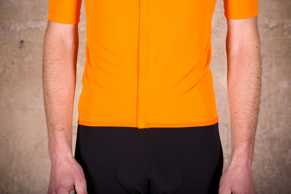 sportful_fiandre_light_norain_short_sleeve_jersey_-_hem.jpg
