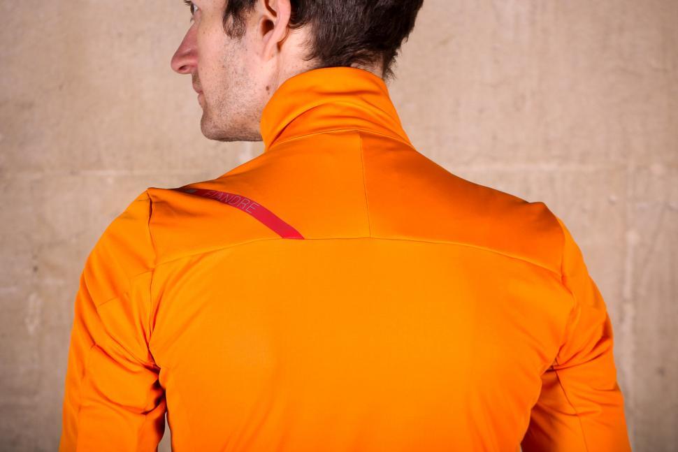 sportful_fiandre_light_norain_short_sleeve_jersey_-_shouldersq.jpg