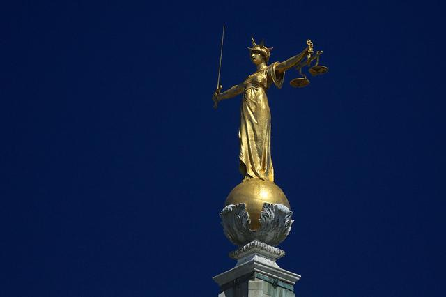 Statue of Justice, Old Bailey (licensed CC BY 2.0 on Flickr by Ronnie Macdonald).jpg